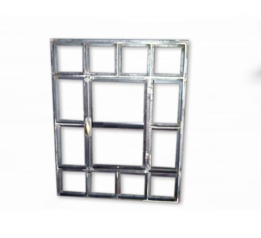 serramento rettangolare in ferro con barre verticali e orizzontali - Fratelli Gussoni fabbro Cornaredo