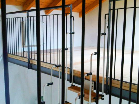 soppalchi e strutture in ferro completi di parapetto e scala per appartamenti loft e open space - Fratelli Gussoni fabbro Cornaredo