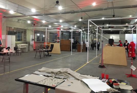 strutture in ferro per suddivisione spazi per spazio di co-working (Makers Hub a Milano) - Fratelli Gussoni fabbro Cornaredo