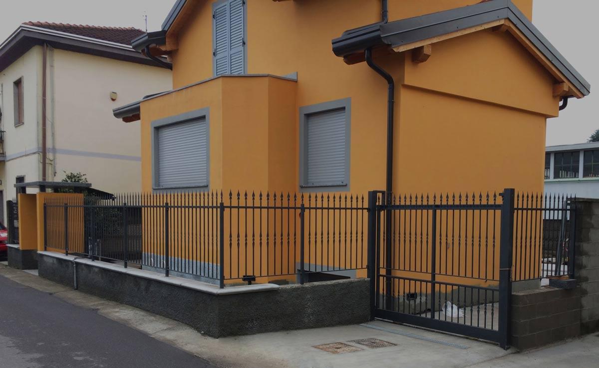 cancello e cancellata in ferro per villetta fuori Milano