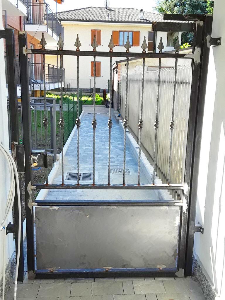 cancello in ferro prima della verniciatura Cornaredo