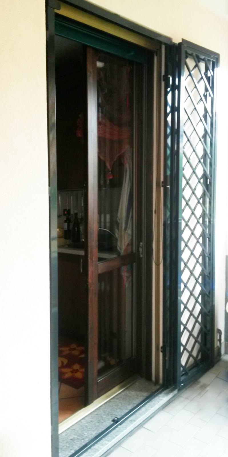 grata verde porta diagonali rombi leggera balcone