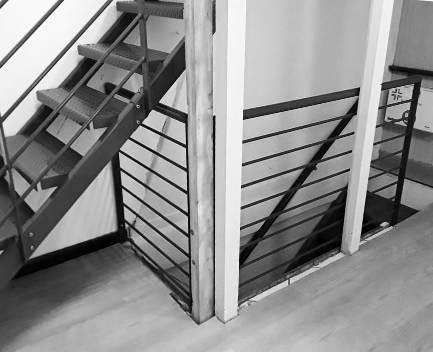 parapetto in ferro per doppio livello ufficio o appartamento