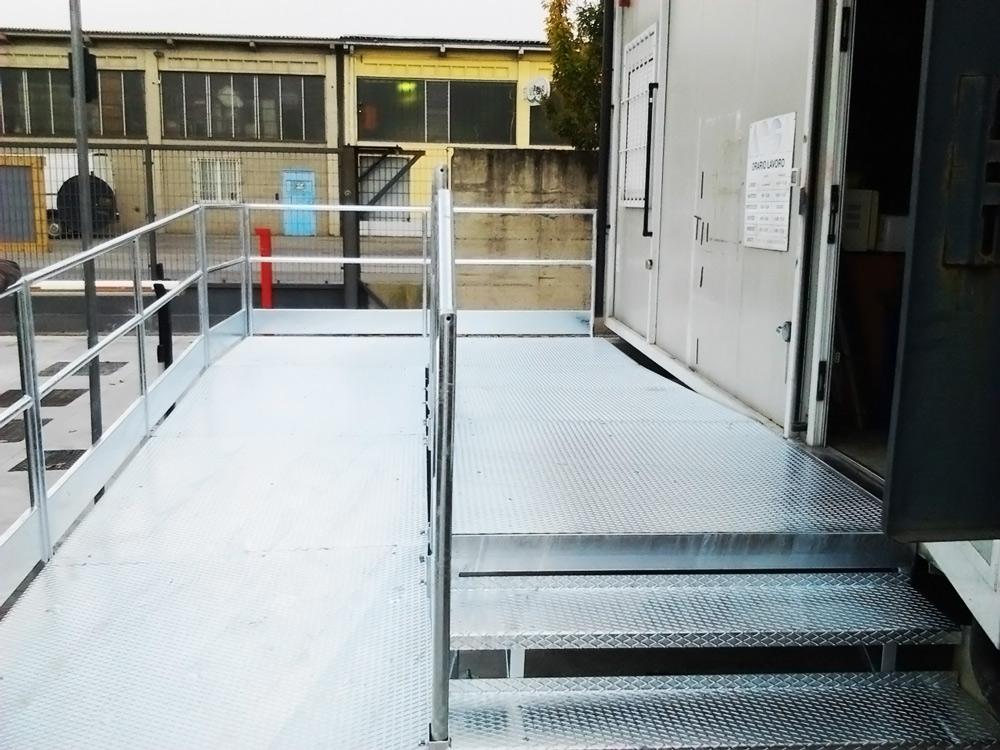 scale e passerella per disabili realizzata in ferro da fabbro