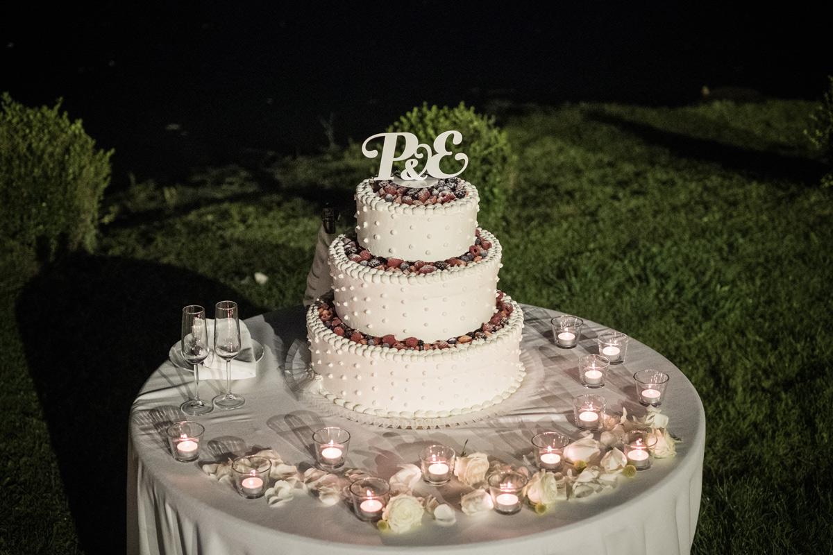 design cake topper in ferro con iniziali personalizzate per torta nuziale